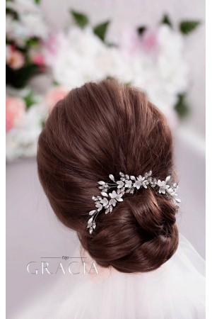 10 Right Bridal Hair Accessories for Your Grandiose Wedding Look