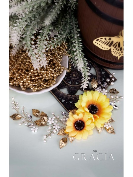 Amazing Sunflower Wedding Theme Ideas: Fabulous Accessories for Hairstyles by TopGracia