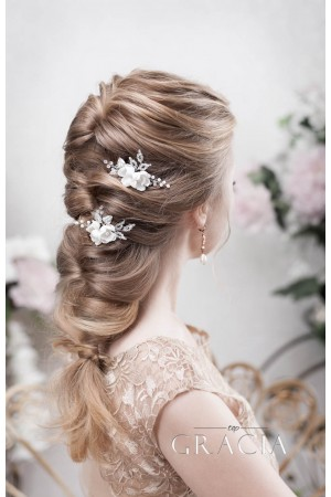 6 Romantic Bridal Hair Half Up Half Down Hairstyle with Veil Accessory