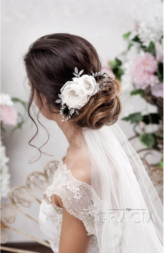 TEODORA Champagne Bridal Hair Flower for Creating a Subtle Look