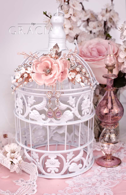 blush-wedding-accessories