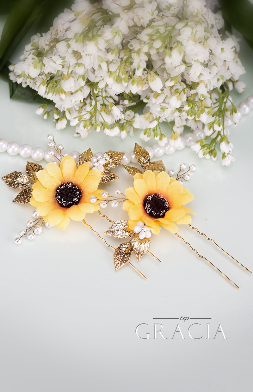 fall wedding sunflowers bridesmaid