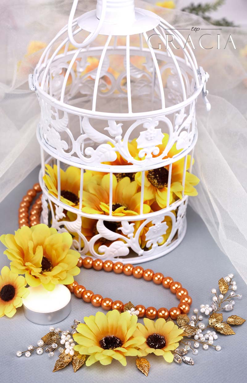 fall wedding with sunflower dekor