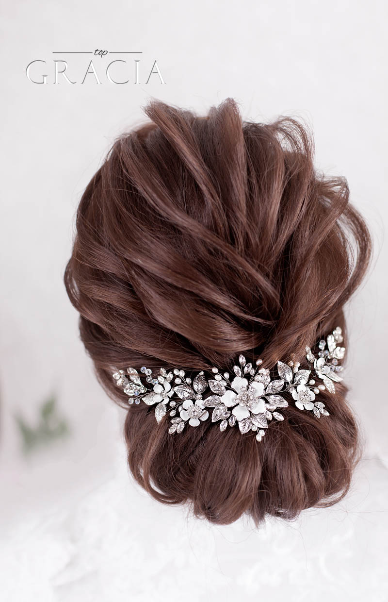 silver_wedding_hairpiece_for_mom_of_the_bride